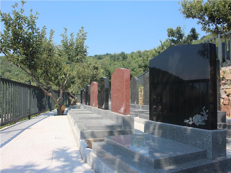 雕花艺术墓